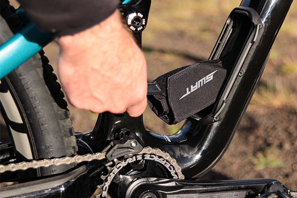 Specialized enduro downtube compartment