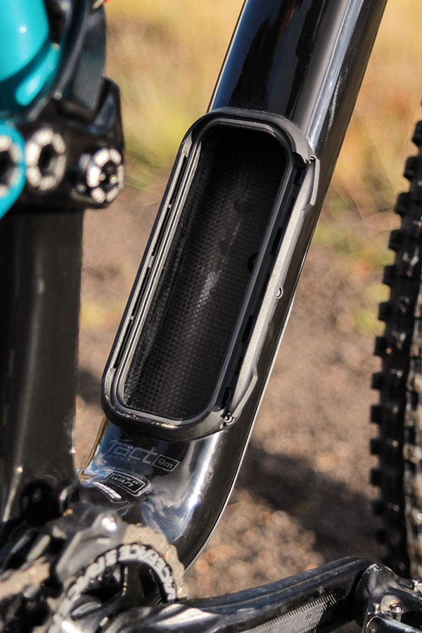 Specialized Enduro downtube opening