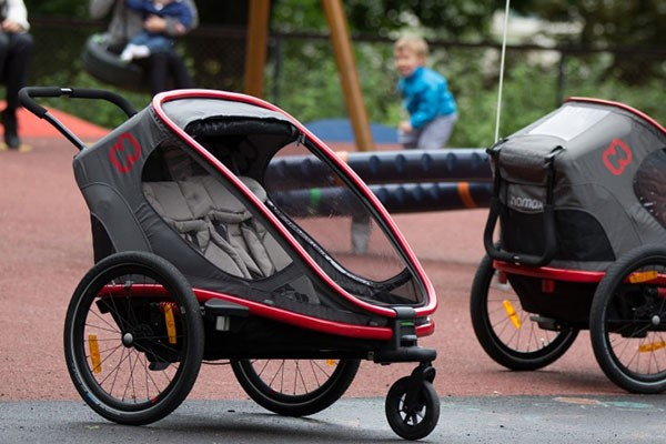 Bike trailer doubling up as a pushchair