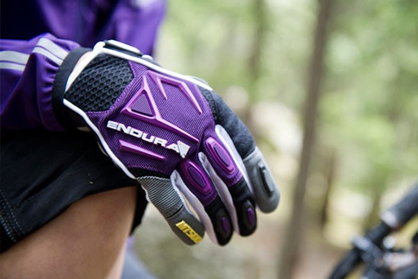 Endura long finger cycling gloves