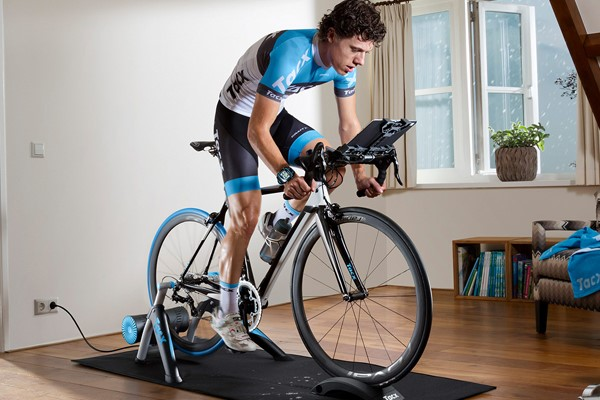 turbo trainer cyclist