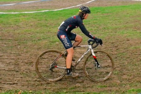 Danni tackles a muddy cyclocross track