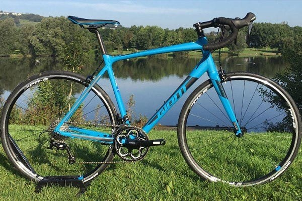 Giant Contend 2017 road bike