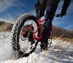 Fat mountain bike tyres in the snow