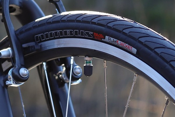 Specialized Sirrus tyres