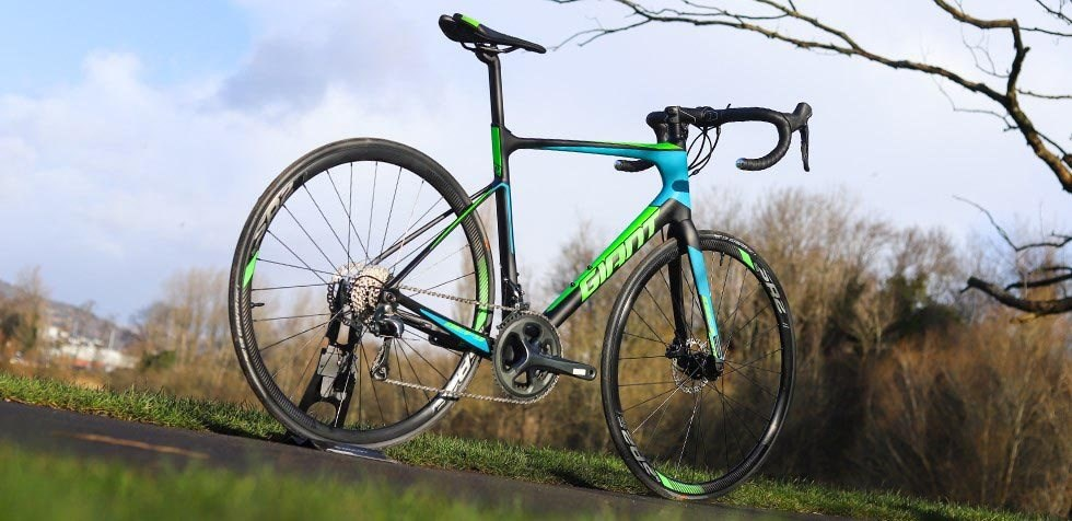The Giant Defy Advanced is a sportive machine