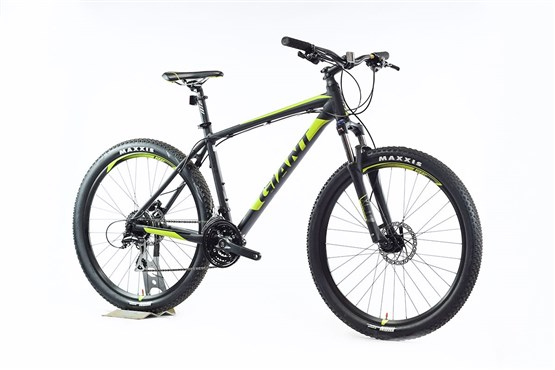 Giant Talon 3 27 5 Nearly New L 2017 Mountain Bike At Tredz