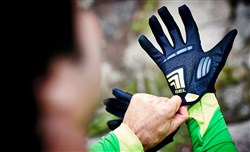Cube Natural Fit Touch Long Finger Cycling Gloves
