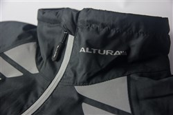Altura Night Vision Evo Womens Waterproof Cycling Jacket Neck