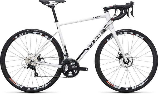 Cube Attain Pro Disc  2017 - Road Bike